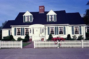 Toll House Inn, Whitman